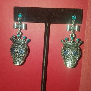 Skull&crown earrings